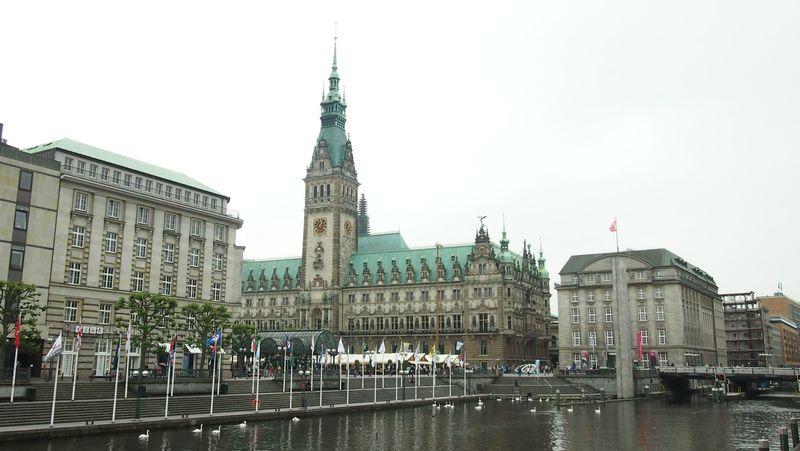 緑あふれる港湾都市・ハンブルグでドイツの魅力を再発見!
