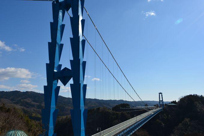 GoogleのCMで話題に!竜神峡へと続く日本最大級の吊橋「竜神大吊橋」