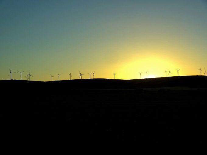 絶景!「風の牧場」にたつ風車群