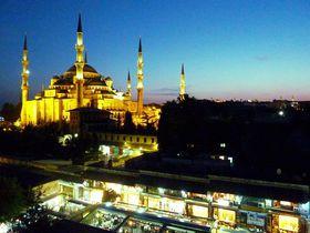 空からブルーモスク!イスタンブール「ブルーハウスホテル」はナンバー1観光名所のすぐそば