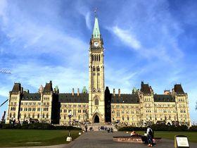 カナダの首都をぐるり一望!オタワの人気観光地「国会議事堂」の無料ツアー