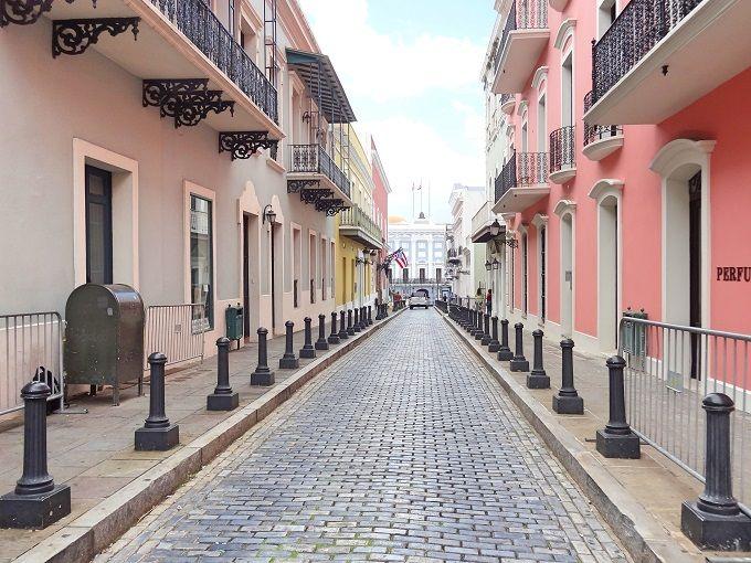 潮風香る虹色の町を歩こう!