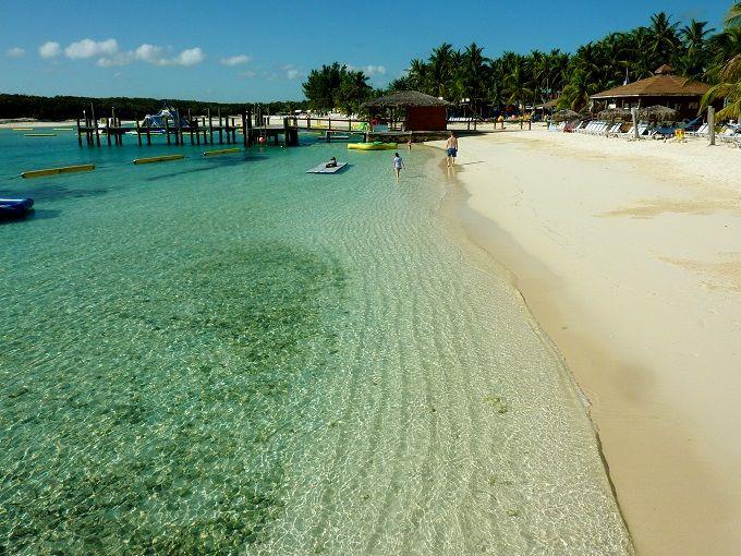 「バハマ」のリゾート島でおもいっきりウォータースポーツ!