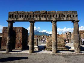 世界遺産ポンペイ。火山灰に埋もれていたタイムカプセルの街で古代ローマを散策する!
