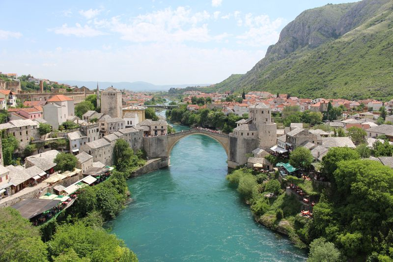 ボスニアの古都「モスタル」の悲劇を伝える美しい橋の秘密