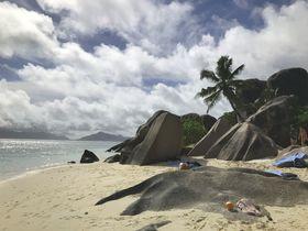 アフリカの秘境ビーチはココ!セーシェル・ラディーグ島の魅力