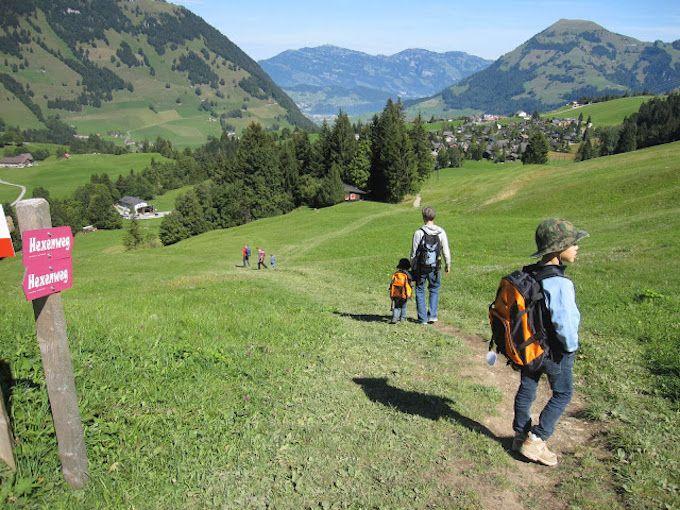 「魔女の道」で景色とアトラクションで楽しくハイキング