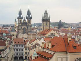 プラハ「クレメンティヌム」で宝石のような眺望とコンサートを!