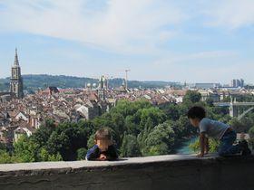 世界遺産の古都を見下ろす絶景スポット!スイス・ベルン「ローゼンガルテン」|スイス|トラベルjp<たびねす>