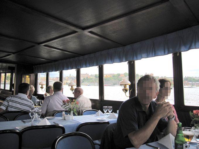 ドロットニングスホルへのアクセスは蒸気船がオススメ!