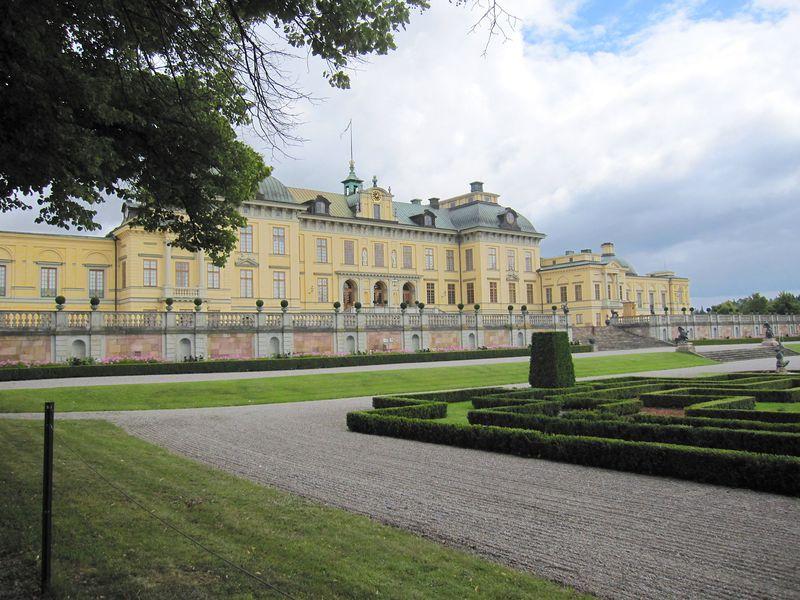 スウェーデンの世界遺産・王妃の小島「ドロットニングホルム宮殿」