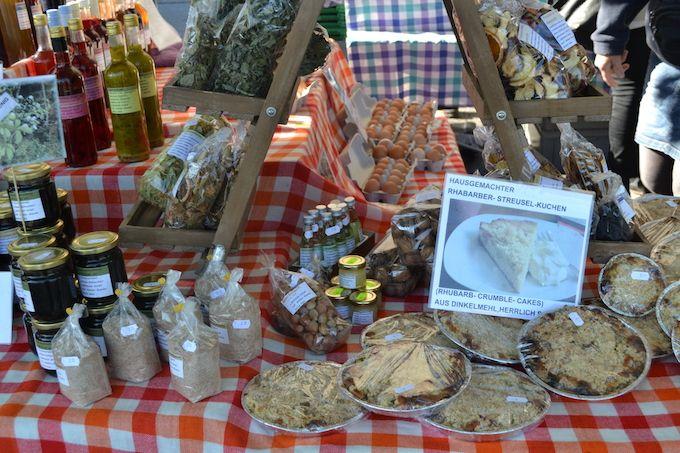 農家の奥さんの自慢の手作りジャムやシロップ、お菓子