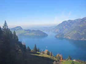 スイス人御用達ハイキングコース「クレーヴェンアルプ」