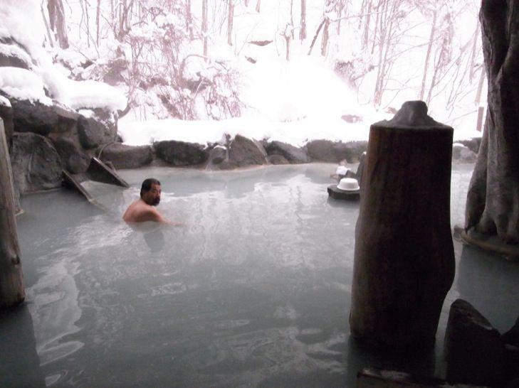 意外と見えそうで見えない加仁湯の混浴露天風呂