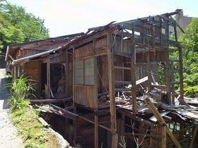 半壊状態で営業中!那須湯本の珍湯「老松温泉 喜楽旅館」は自家源泉を持つ本格派