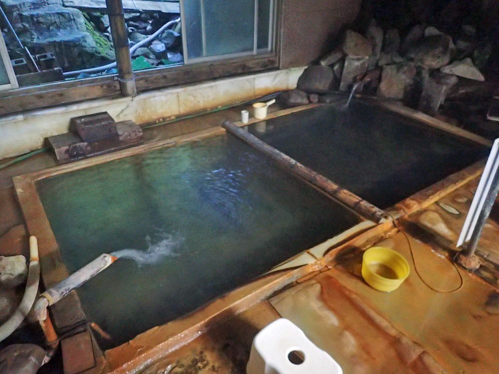 ぬる湯で知られる源泉は震災以降湯温が上がってしまった