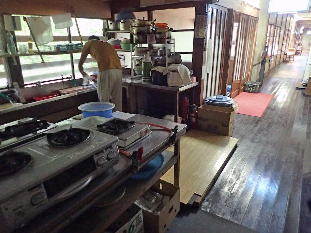 料理に必要な設備は一通り揃っている台所は使いやすい!