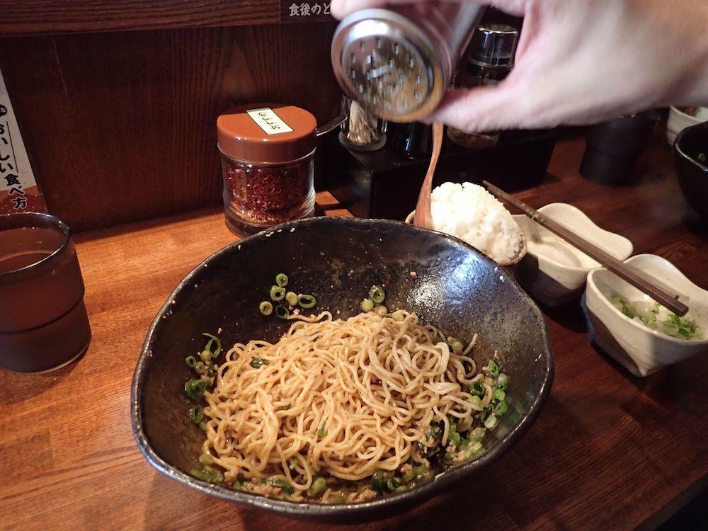 よそではマネのできない香りと辛さ!挽きたて山椒はかけすぎ注意