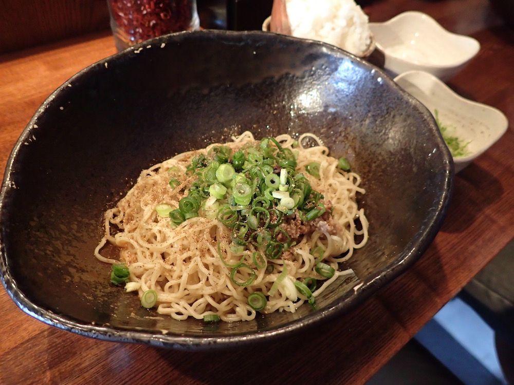 四川料理とはひと味違うキング軒の「広島風汁なし担担麺」とは?