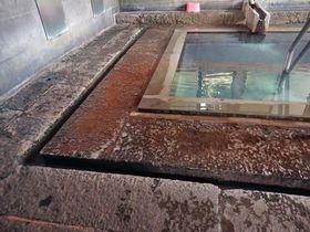殿様の愛した浴室が残る別府「町営照湯温泉」で湯の花舞う名湯を堪能!