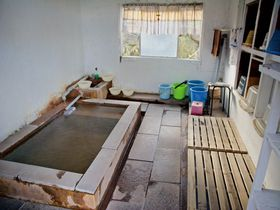 龍巻地獄のお湯に入れる!別府柴石「長泉寺」の素朴な共同浴場