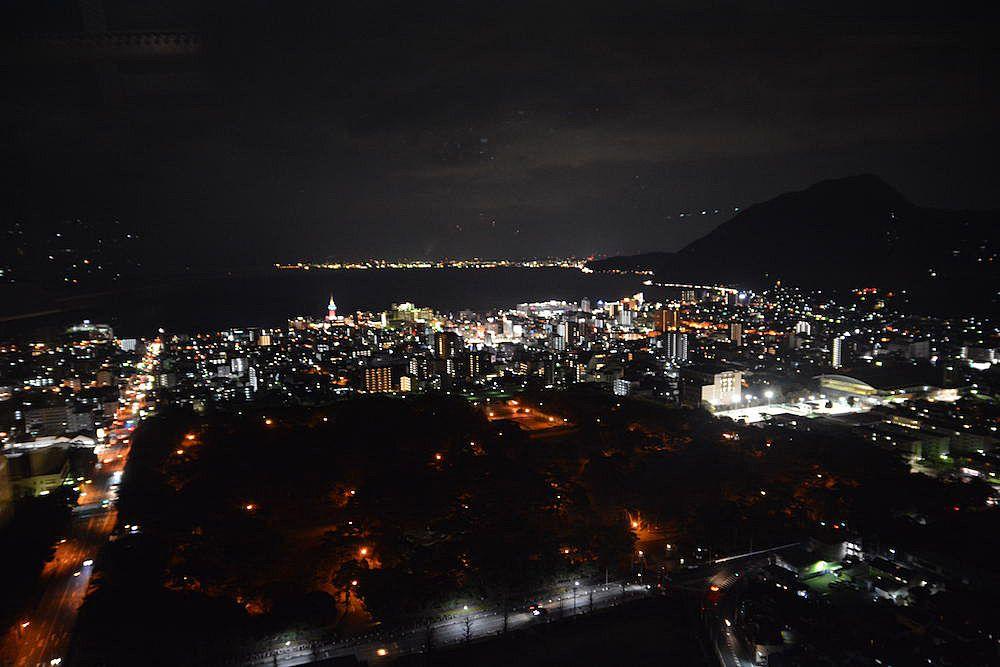 別府「グローバルタワー」から夜景遺産認定の大パノラマを見よ
