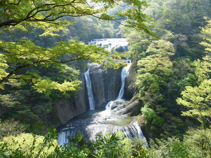 """まずは言わずも知れた""""日本三名瀑""""の袋田の滝へ!"""