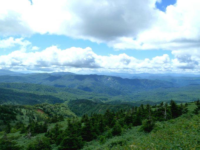 大深沢展望台から眺める秋田県側の眺望も見事!