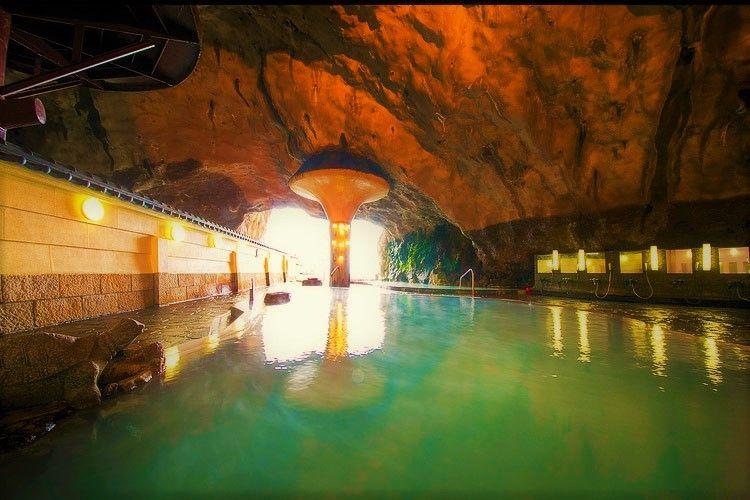 人間界に帰りたくない!南紀の巨大な洞窟温泉「ホテル浦島」で浦島太郎生活