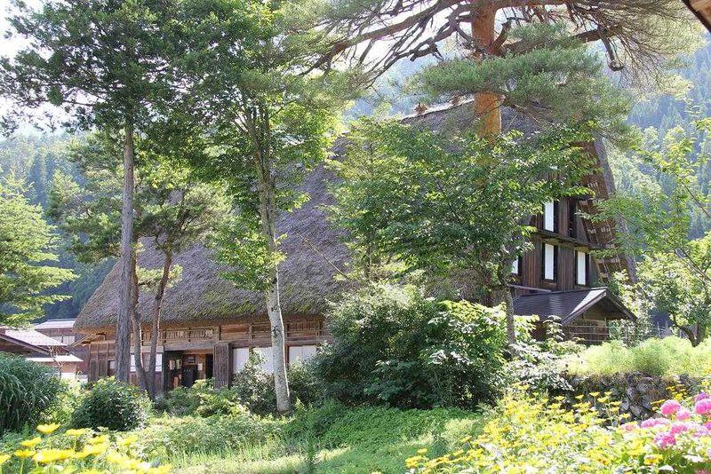 アニメ『ひぐらし』の聖地 合掌造り集落を訪ねて〜 岐阜・白川郷