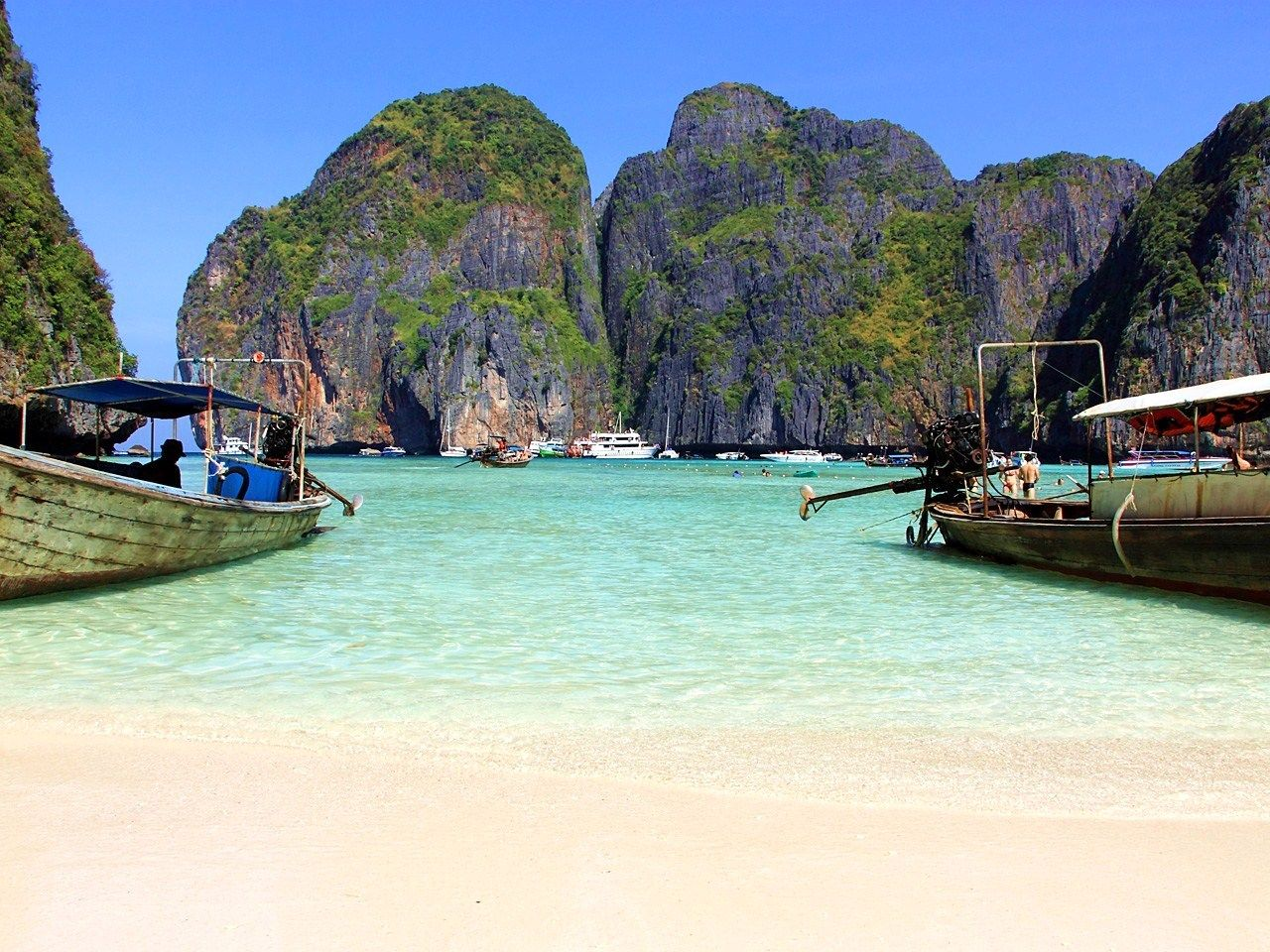 美しすぎるビーチ!タイ・ピピ島、楽園を求める恋人たちの島