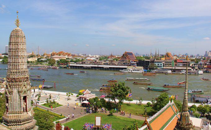 中段のテラスから広がる、素朴で美しいバンコクの風景