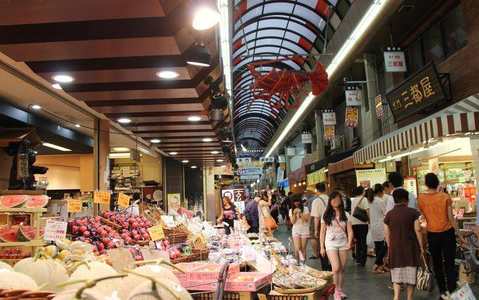 天下の台所大阪「黒門市場」は外国人観光客にも大人気