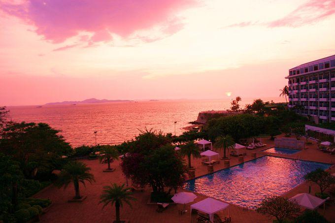 沈む夕陽の切なさが、ふたりの心を一つに〜デュシット・リゾート・パタヤ