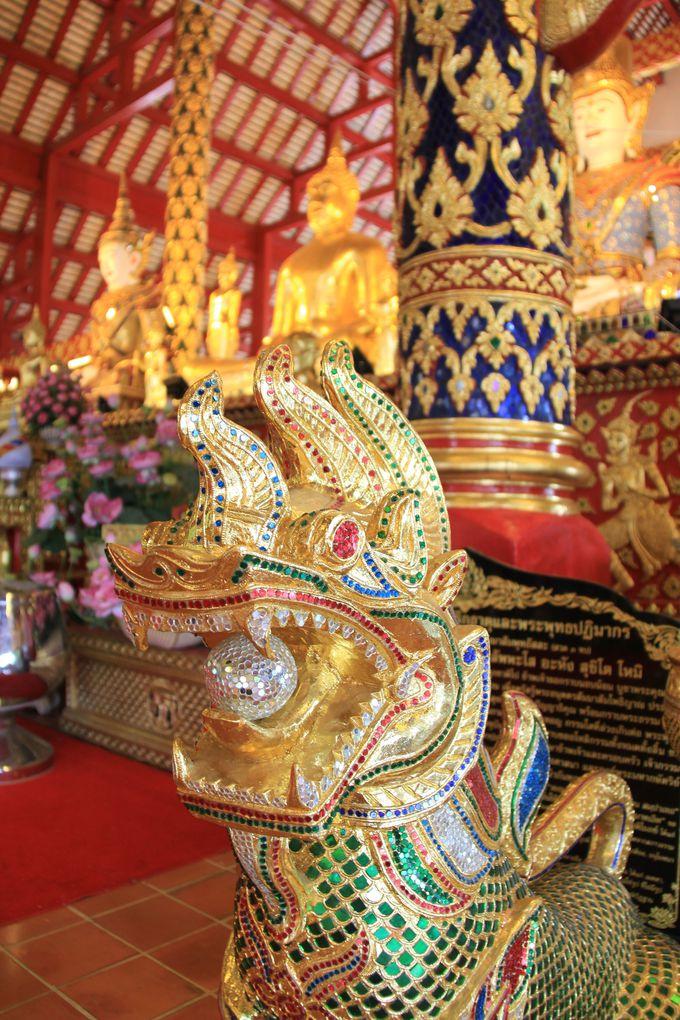 本堂は仏教美術の宝庫!