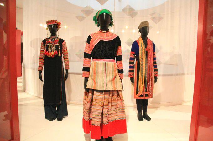 山岳民族の衣装も興味深い