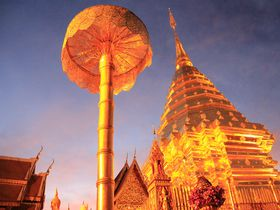 黄金に輝く天空寺院!チェンマイ「ドイ・ステープ」は黄昏時が最も美しい
