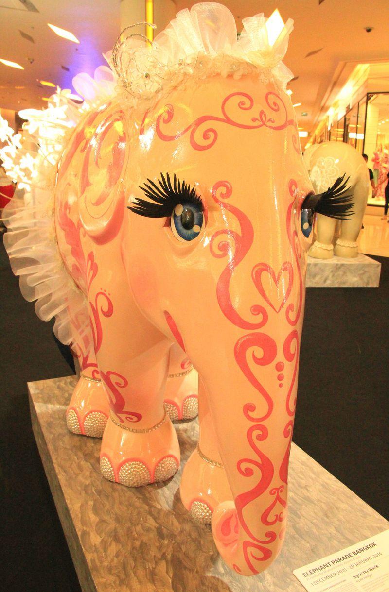 衝撃のコンドーム人形!おもしろすぎるタイ観光のオブジェ5選「なんじゃこりゃ!」