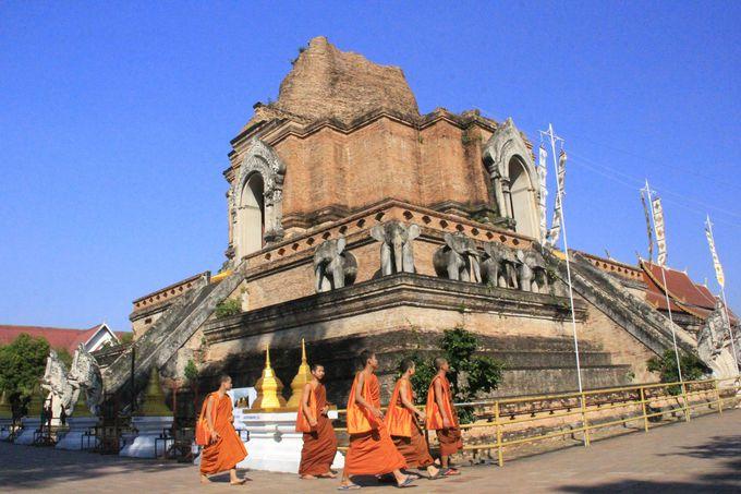 チェンマイ旧市街にそびえる巨大な廃墟!