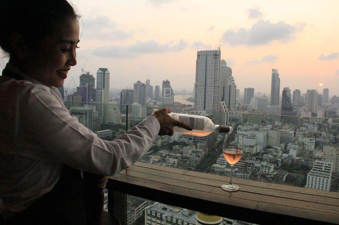 夕暮れとローズワインの色、吹き抜ける風が心地いい