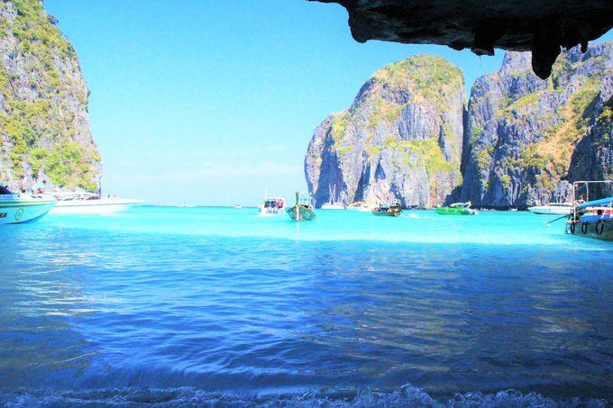 秘境の名にふさわしい絶景のビーチ!「マヤベイ」