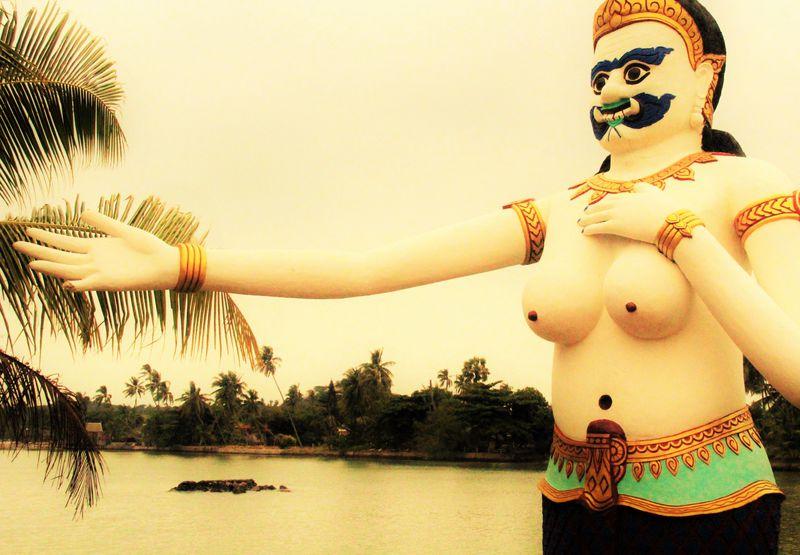 衝撃の美乳人魚姫!タイ・サムイ島で超人気の珍スポット5選