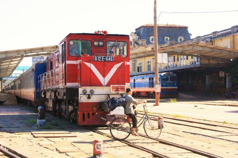 あぁ、哀愁のハノイ駅!列車旅の前に絶品フォーを楽しもう!
