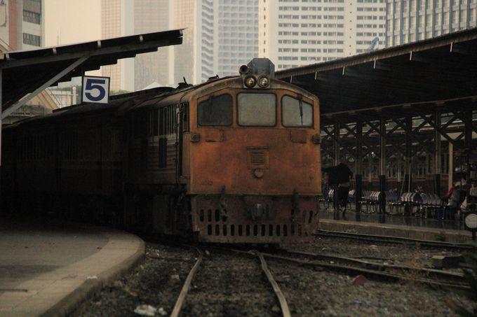まるで幽霊列車?廃墟のような列車の姿に感動!