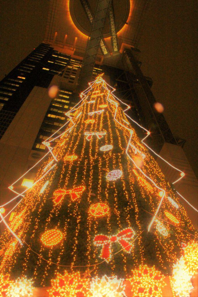 キラキラ巨大クリスマスツリー!「新梅田シティ ドイツ・クリスマスマーケット」