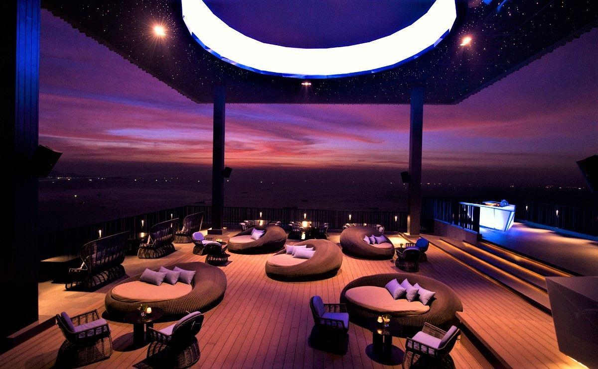 夜景が素晴らしい「Horizon」 ダイニング・レストラン「Edge」のテラス席もおすすめ