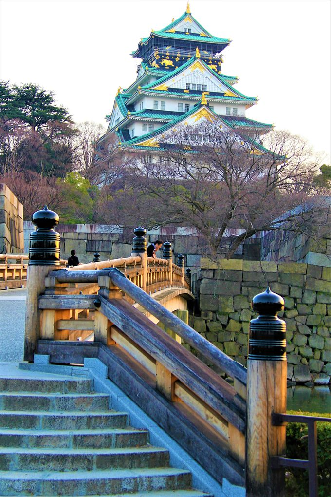 あぁ、秀頼・淀殿の自決の地!真田幸村の息子・大輔も運命をともに… 「極楽橋」は絶好の撮影スポット