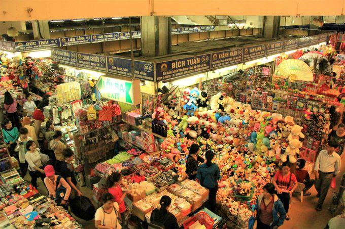 ベトナムの京町屋「マー・マイ87番の家」/「ドンスアン市場」/ハンザイ通りの「ナイトマーケット」