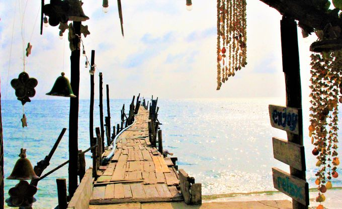 バンコク近郊オプショナルツアー・ランキング!1位 古都アユタヤ/2位サメット島/3位パタヤのラーン島
