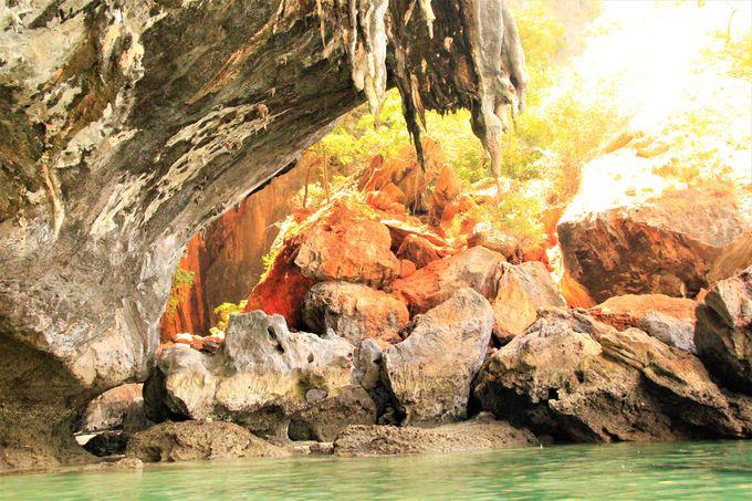 ボートでしか行けない幻のビーチ!プラナンビーチと王妃の洞窟
